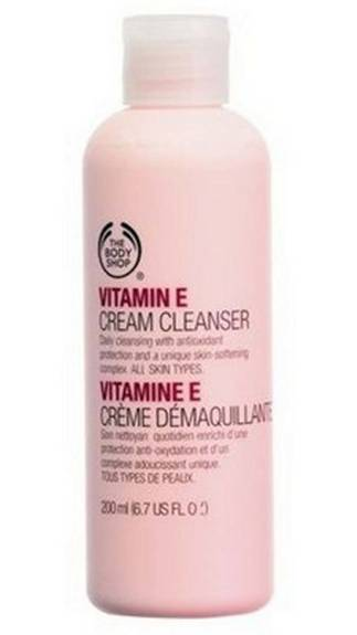 Top 5 Cleansing Milks Available in India, The Body Shop Vitamin E cleanser, price in India, Indian beauty blogger, Chamber of Beauty