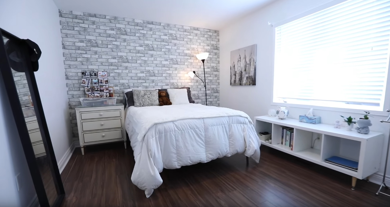 12 Photos vs. 65 Whistle Post St, Toronto vs. Home Interior Design Tour