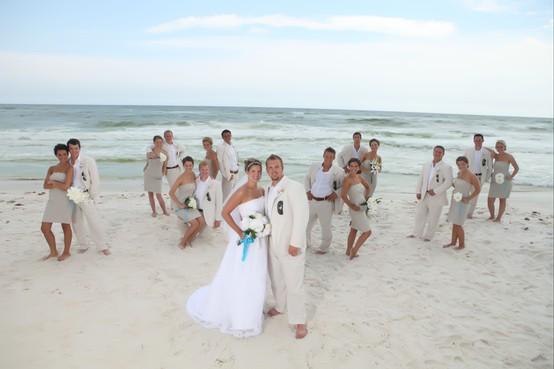 enkel bröllopsklänning strandbröllop