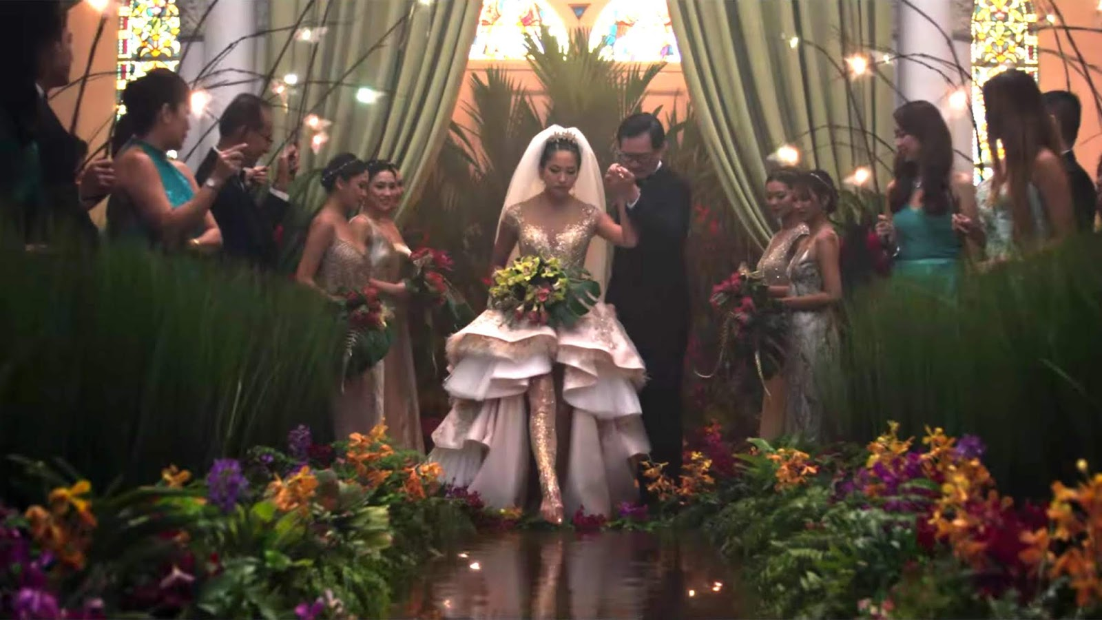 Colin Khoo (Chris Pang) and Araminta Lee (Sonoya Mizuno) wedding in Crazy Rich Asians