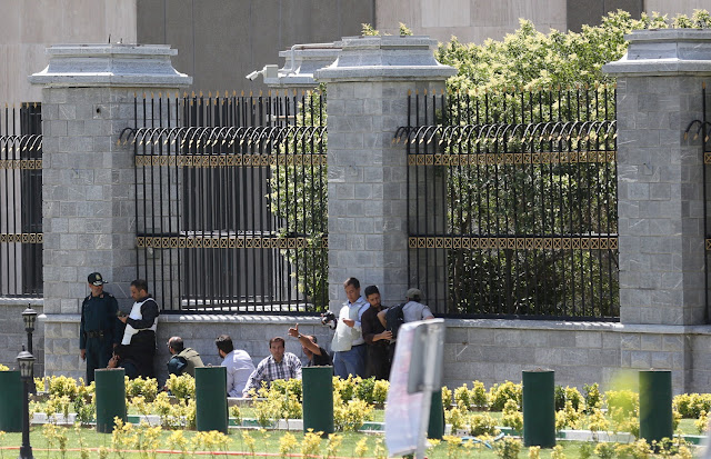 Ataques a parlamento iraniano e mausoléu do aiatolá Khomeini deixam sete mortos