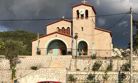 Καθάρισαν οι τοίχοι του ναού της Ευαγγελίστριας στην Ηγουμενίτσα