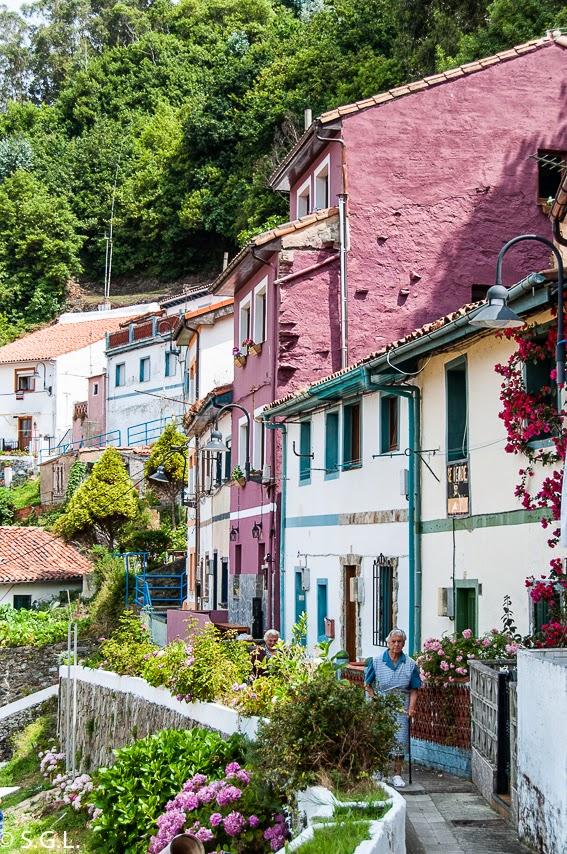 Callejuela de cudillero. Asturias. Hoy compartimos-calles, caminos y carreteras