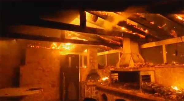 Los muertos por incendio de Atenas pueden superar el centenar