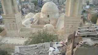 Keterlaluan! Masjid Bersejarah Abad ke 8 Dibombardir Syiah Houthi Yaman dengan Artileri