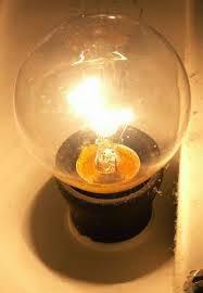 sejarah ditemukan dan diciptakan lampu pijar