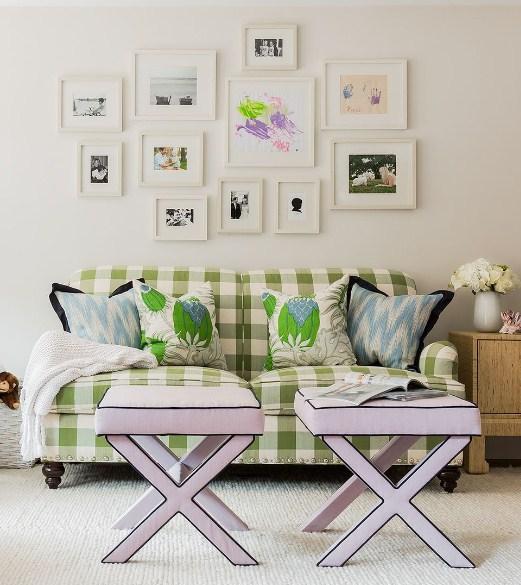 Ruang tamu kecil tampak luas dengan tips ini