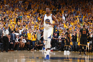 Οι Γκόλντεν Στέιτ Γουόριορς είναι από σήμερα οι πρωταθλητές στο NBA!