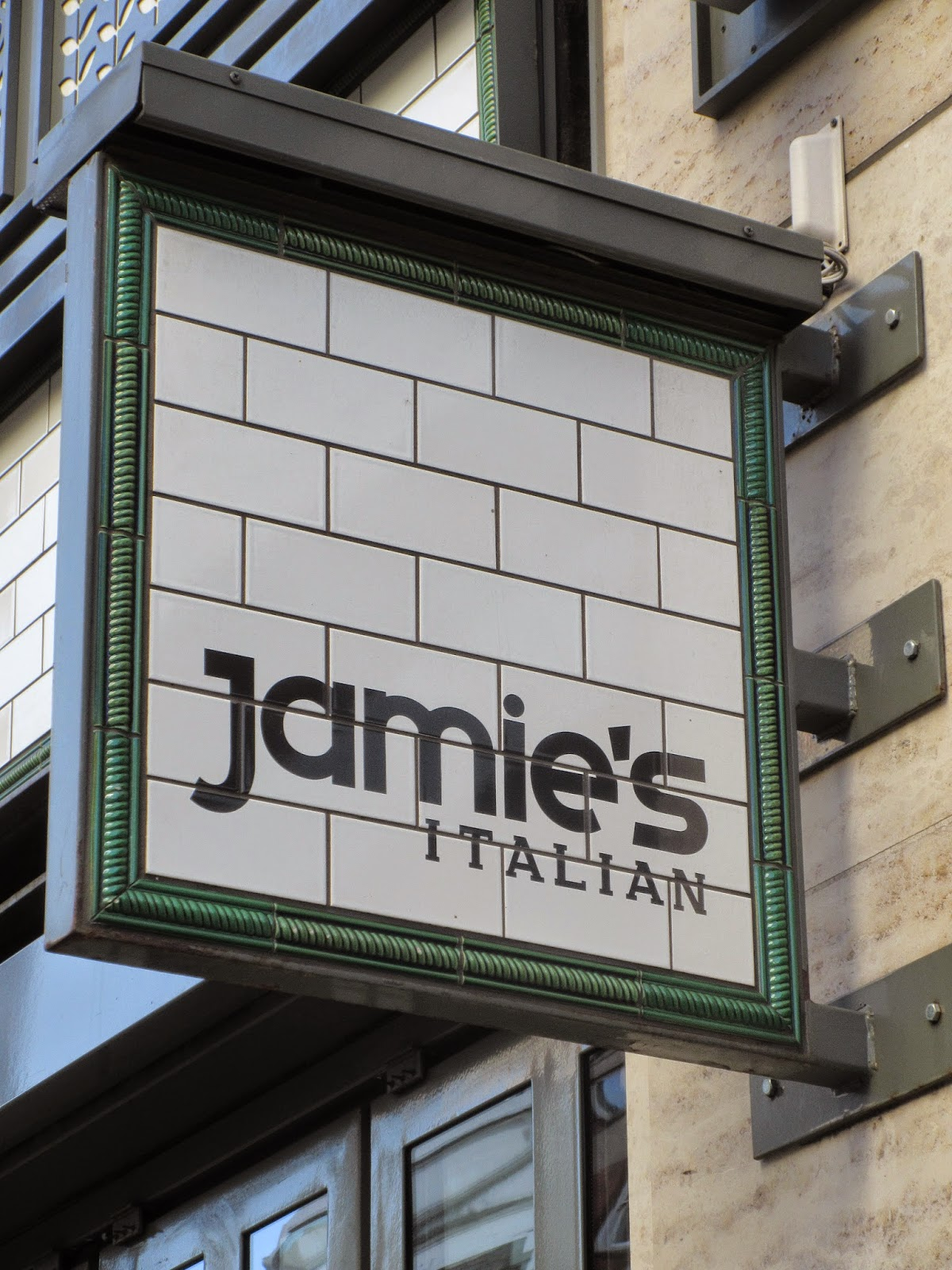 jamie oliver italian restaurant london