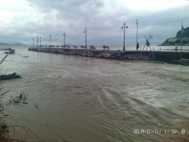 Χρειάζεται η άμεση αποκατάσταση της πεζογέφυρας στο Κιβέρι