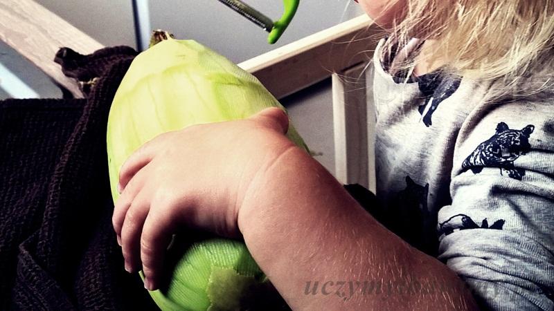 montessori - obieranie warzyw