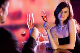 Las 10 cosas que les encanta a los hombres que hagas durante la primera cita