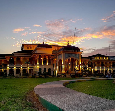 Kecantikan Istana Maimun Medan