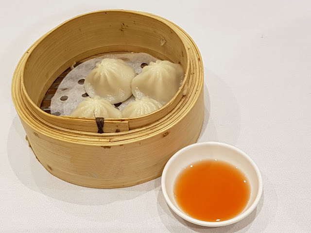 Shark Fin Inn, xiao long baos