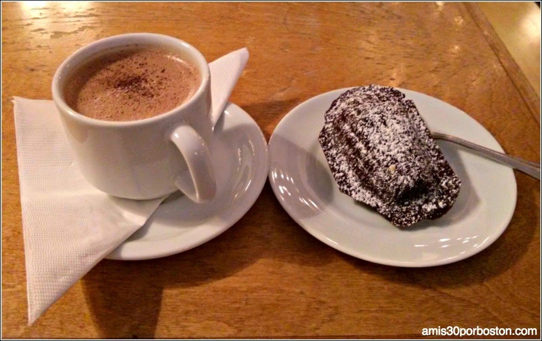 Hot Chocolate: Madeleines de Chocolate