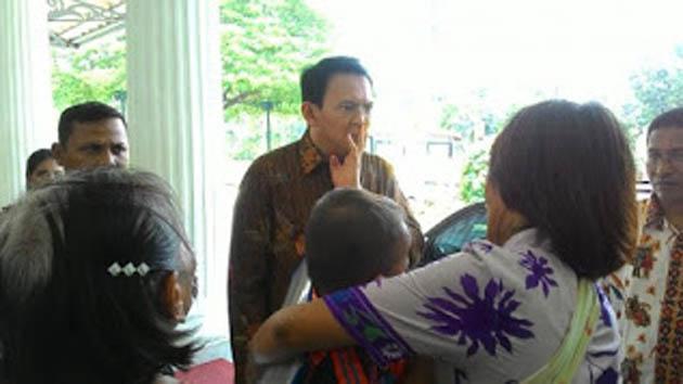 Hati Ahok Tersentuh Mendengar Permintaan dari Seorang Wanita Mantan Supir Transjakarta