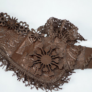 Sculpting lace