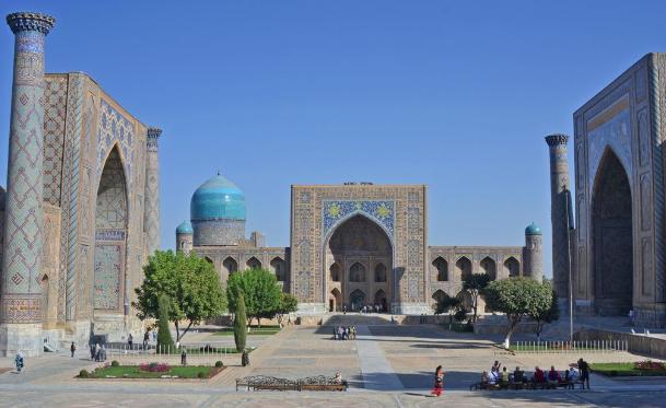 Salah satu Masjid Terindah Terletak di Kota Biru Uzbekistan, Samarkand