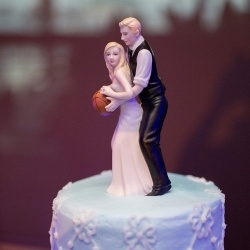 basketball couple wedding cake topper dogz theme thursday basketball themed wedding 11101