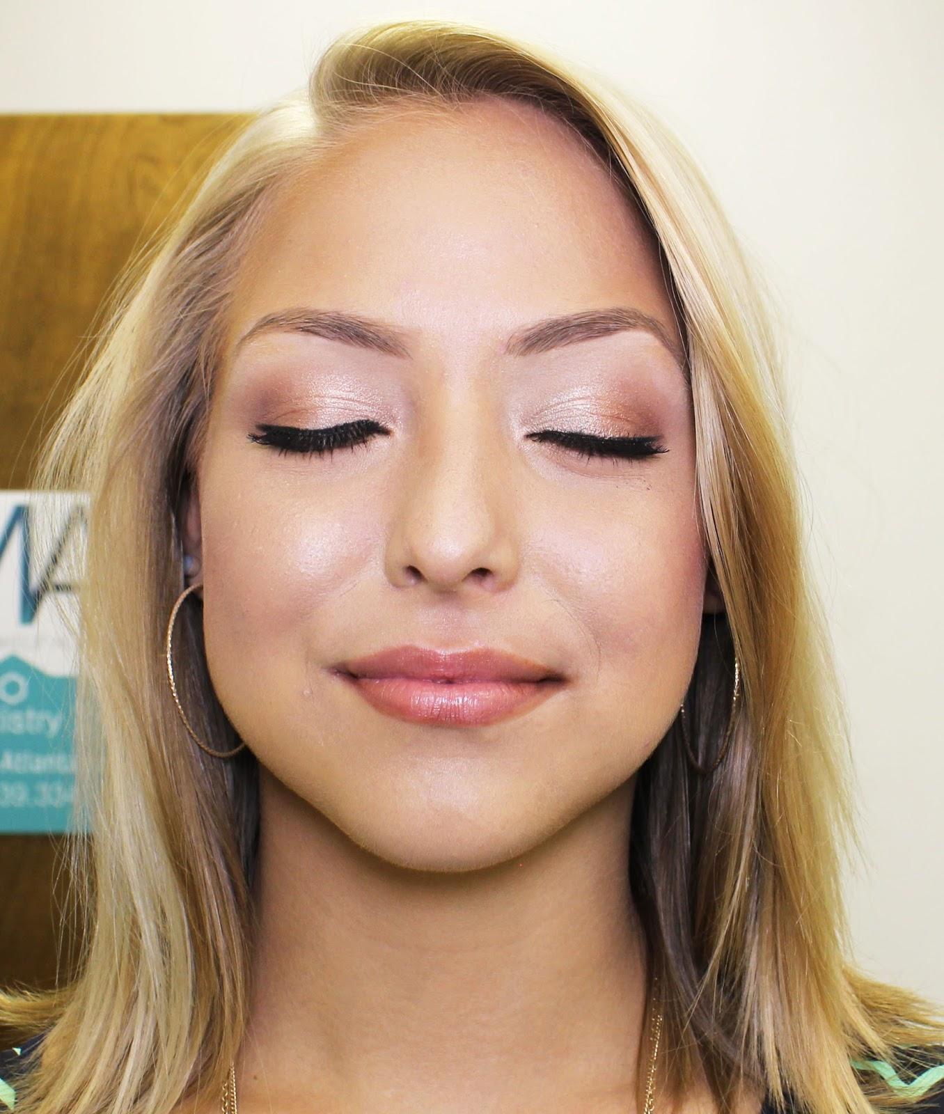 Makeup artist show