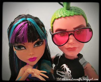Cleo and Deuce doll selfie