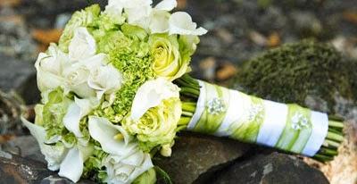 Bouquet Sposa Verde Mela.Incanti Wedding And Event Creations Sposiamoci In Verde