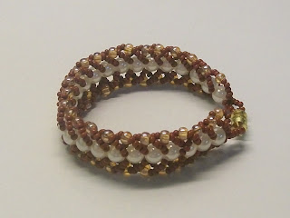 Bracelet in brown-yellow colors