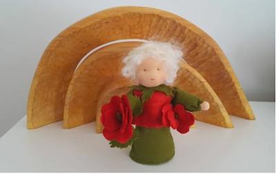 Atelier de Vier Jaargetijden Waldorf inspired flower child antroposofisch rozenkind