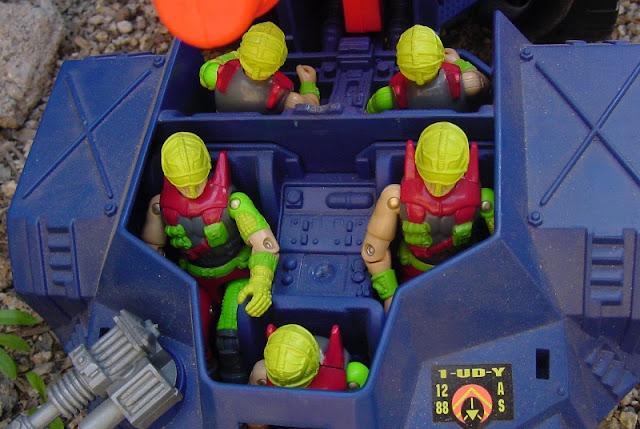 1993 Cyber Viper, Mega Marines, Detonator