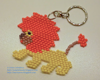Lion beaded in brick stitch