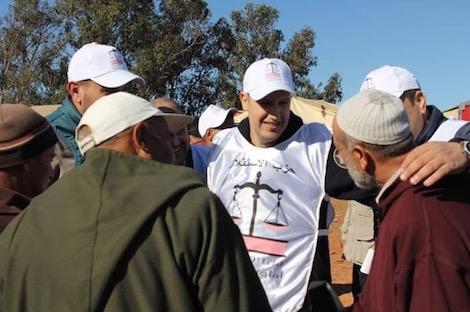 """الجهوية 24 - الاستقلال و""""البام"""" يستميلان الناخبين بخطابات """"وْلاد الشعب"""" في برشيد"""