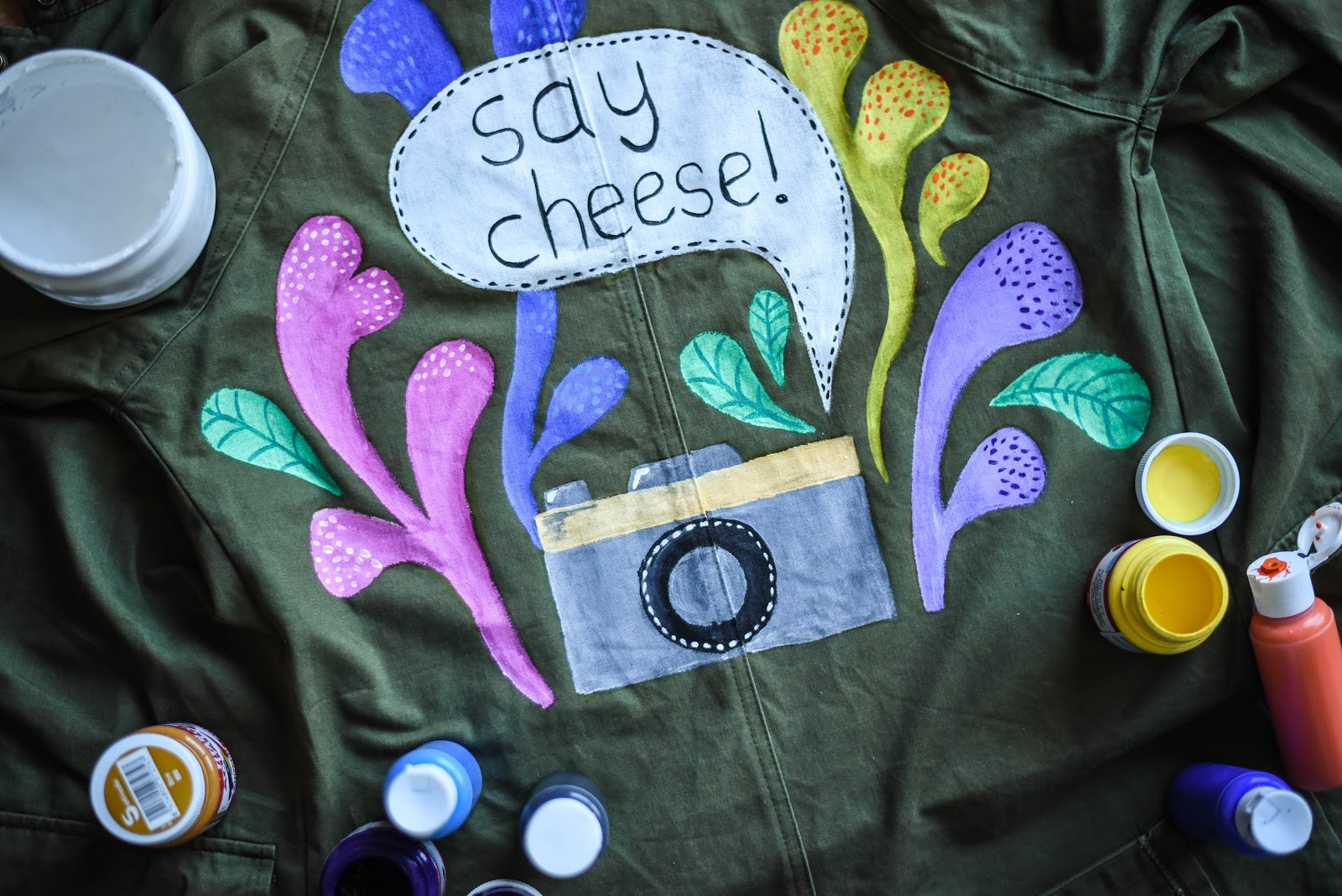 diy_customized_jacket_drawing_painted_illustration