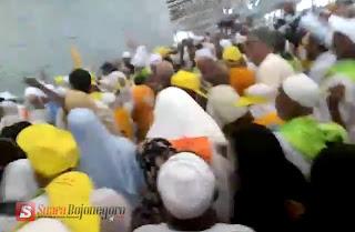 Jamaah Haji Lakukan Wajib Haji, Mabit di Mina