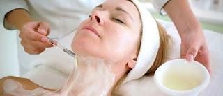 CANTIK DENGAN TERAPI ENZIM Meremajakan Kulit Wajah dengan Rangkaian Enzyme Therapy