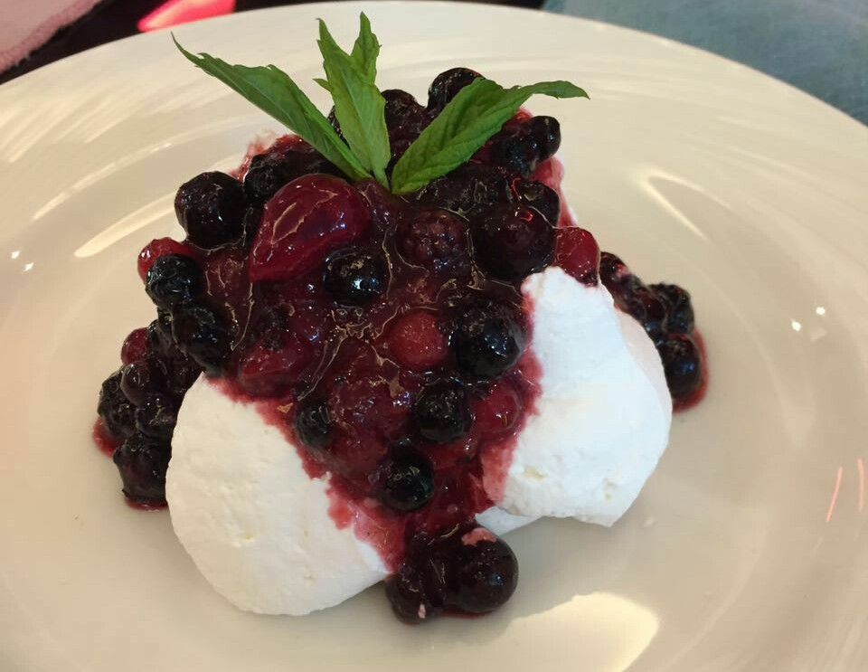 Achrafieh caf survives the test of time for Fruit coulis