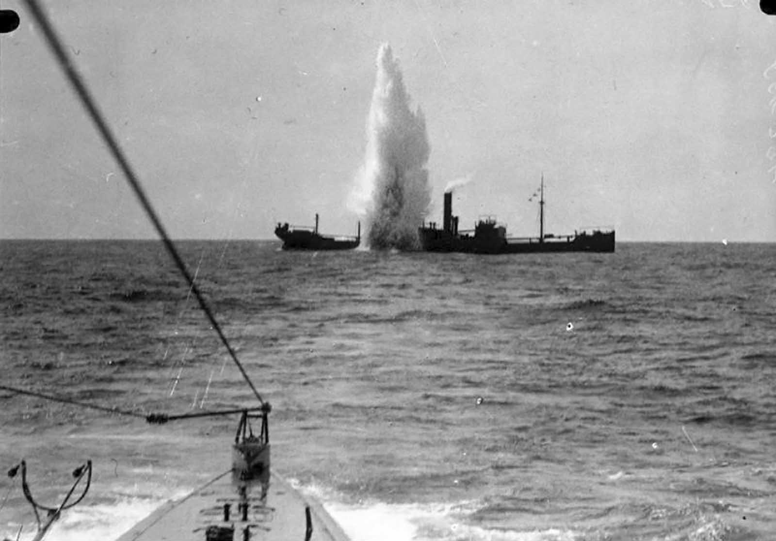 British cargo ship SS Maplewood under attack by German submarine SM U-35 on April 7, 1917, 47 nautical miles/87 km southwest of Sardinia. The U-35 participated in the entire war, becoming the most successful U-boat in WWI, sinking 224 ships, killing thousands.