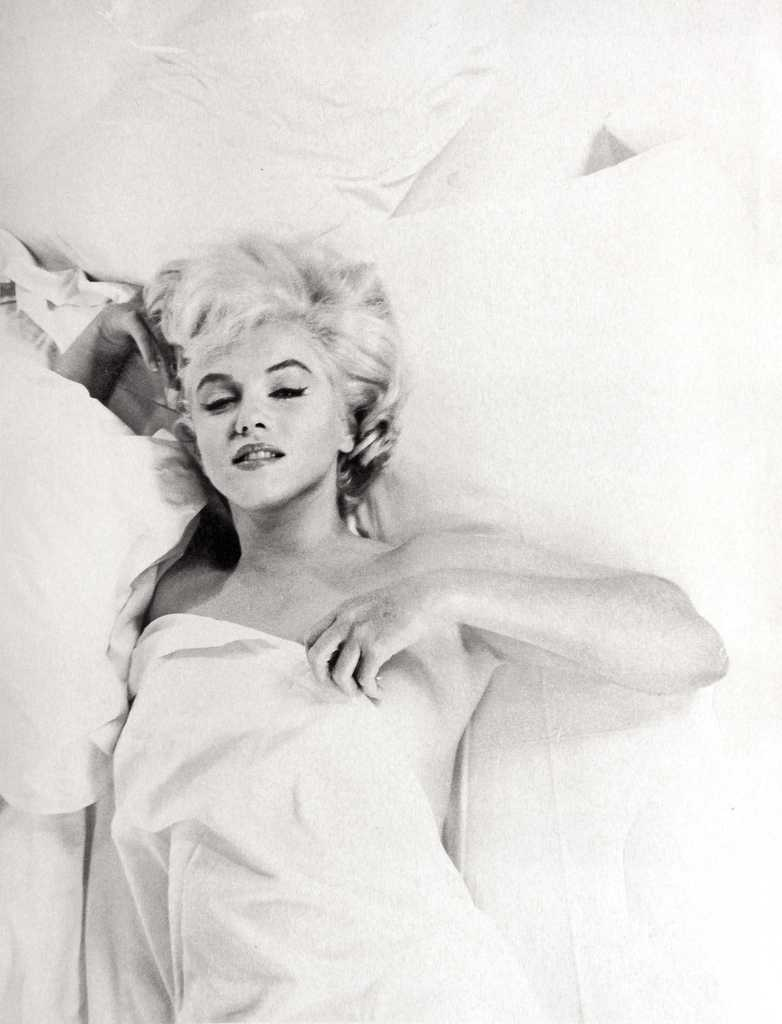 Marilyn Monroe Living Room Decor: 25 Wonderfully Intimate And Candid Photos Of Marilyn