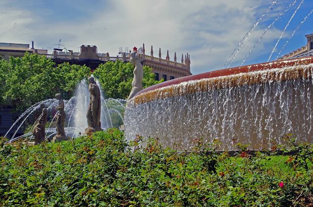 Fountain in Plaça d'Espanya Barcelona