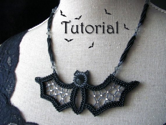 beaded bat necklace tutorial