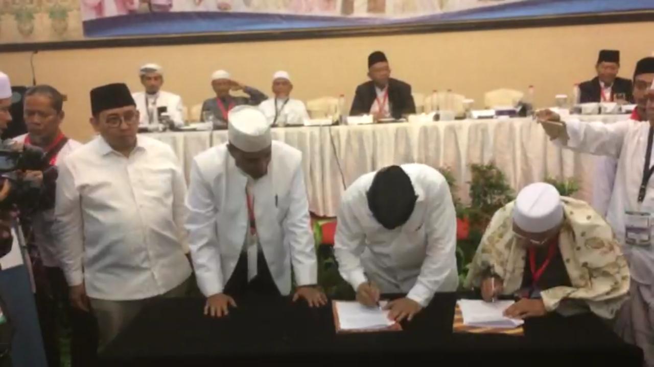 Sah! Detik-detik Prabowo Tandatangani Pakta Integritas dengan Ulama