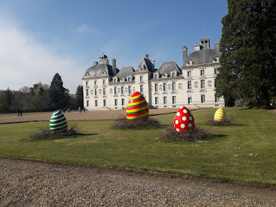 giant eggs in the ground Chateau de Cheverny at Easter