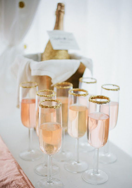 Rose-Gold-Wedding-Ideas-cocktail