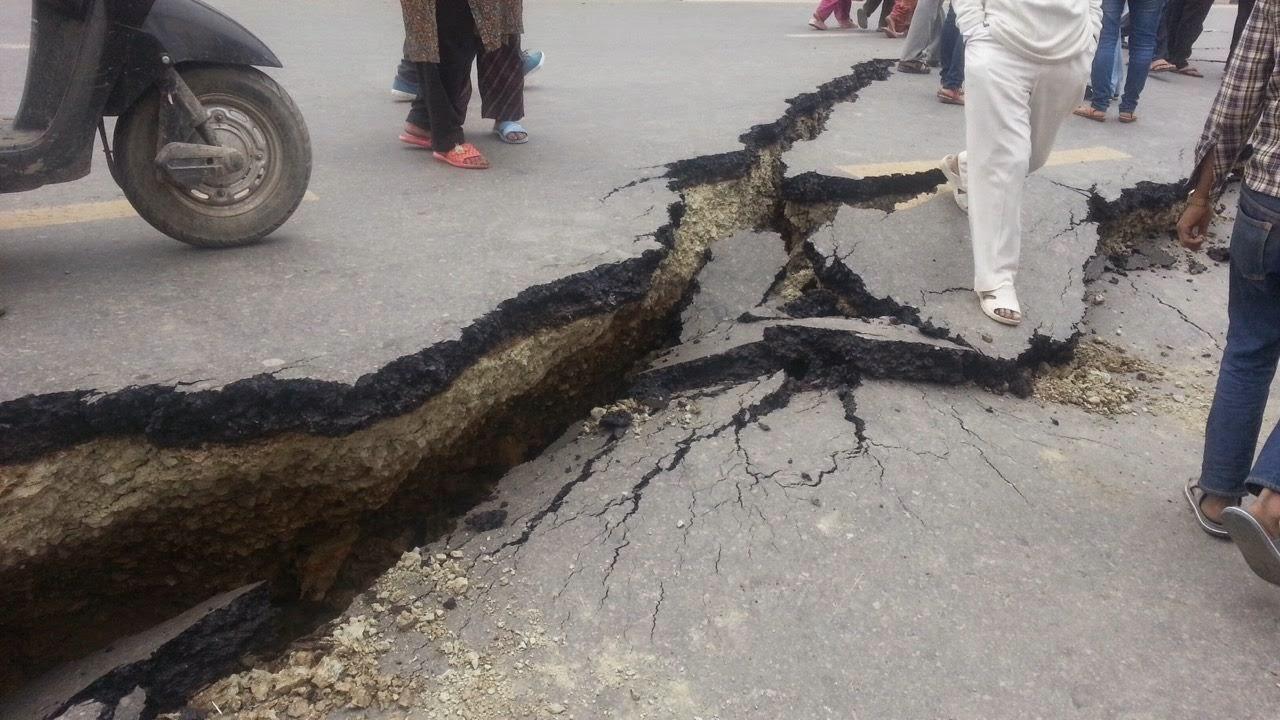 Hundreds of Peoples killed in latest Nepal Earthquake - PakWeather com