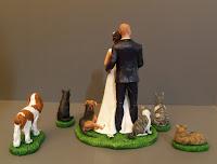 statuine sposini milano marito moglie cani e sposi sulla torta orme magiche