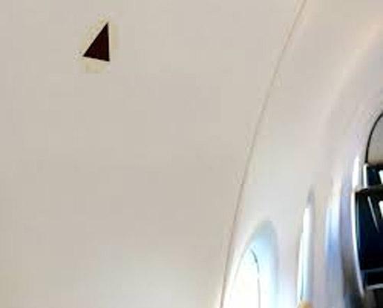 Simbolo Triangulo marca janela aviao