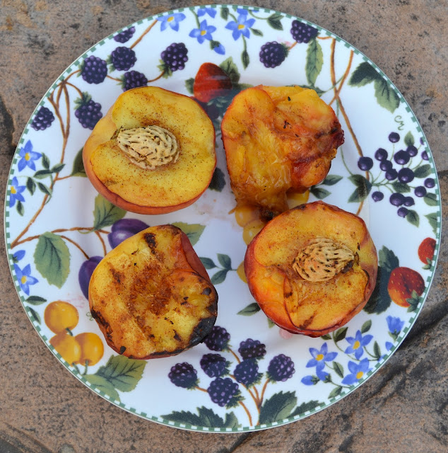 """Grilled Healthy Peach """"Cobbler"""""""