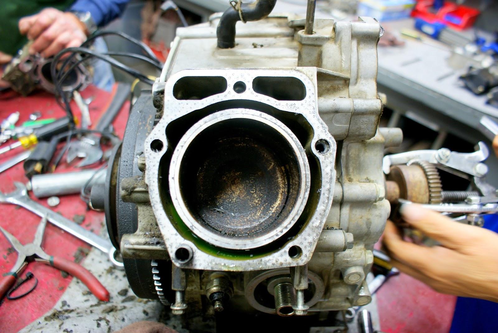 Sugar Creek Golf Course Blog: Greens Mower Engine Rebuild