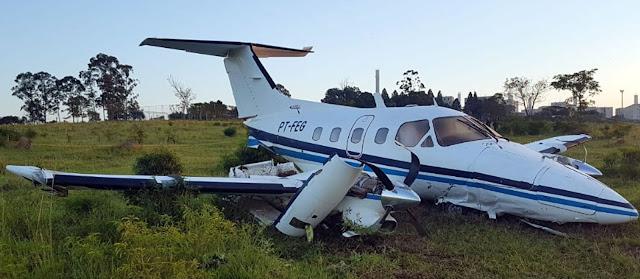 Avião faz pouso forçado  e 5 ocupantes sobrevivem