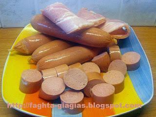 Σουβλάκια με λουκάνικα κοτόπουλου και μπέικον - από «Τα φαγητά της γιαγιάς»