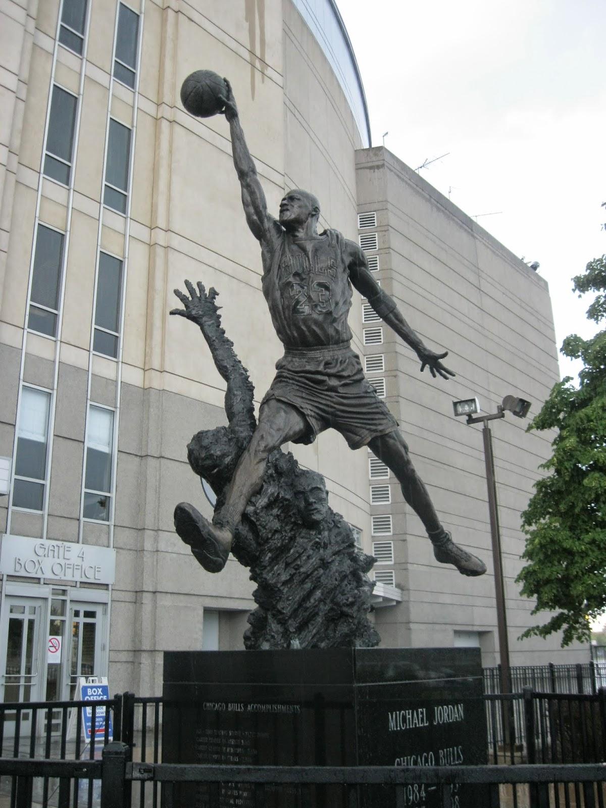 Xc >> The Spirit Michael Jordan Statue United Center Chicago